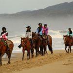 Pasukan 220 Cocok untuk Akhir Pekan, Termasuk Menunggang Kuda di Tepi Pantai