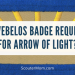 Apakah Lencana Webelos Diperlukan untuk Panah Cahaya?