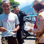 Pramuka Peduli Kwarda Maluku Utara Bagikan Masker Kepada Warga dan Jemaah Masjid